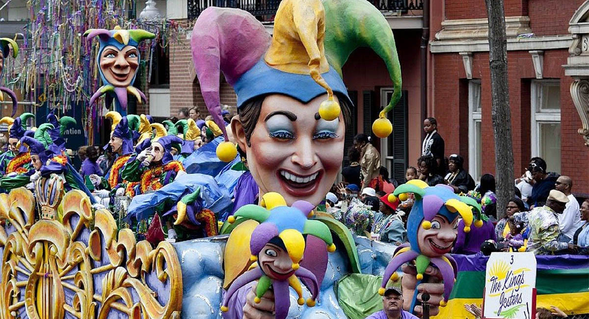 Giant jester puppets in Mardi Gras parade